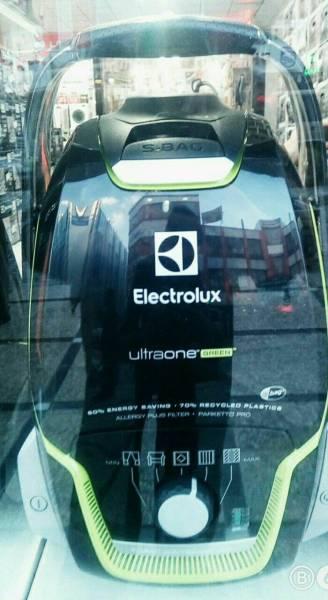 جاروبرقی Electrolux